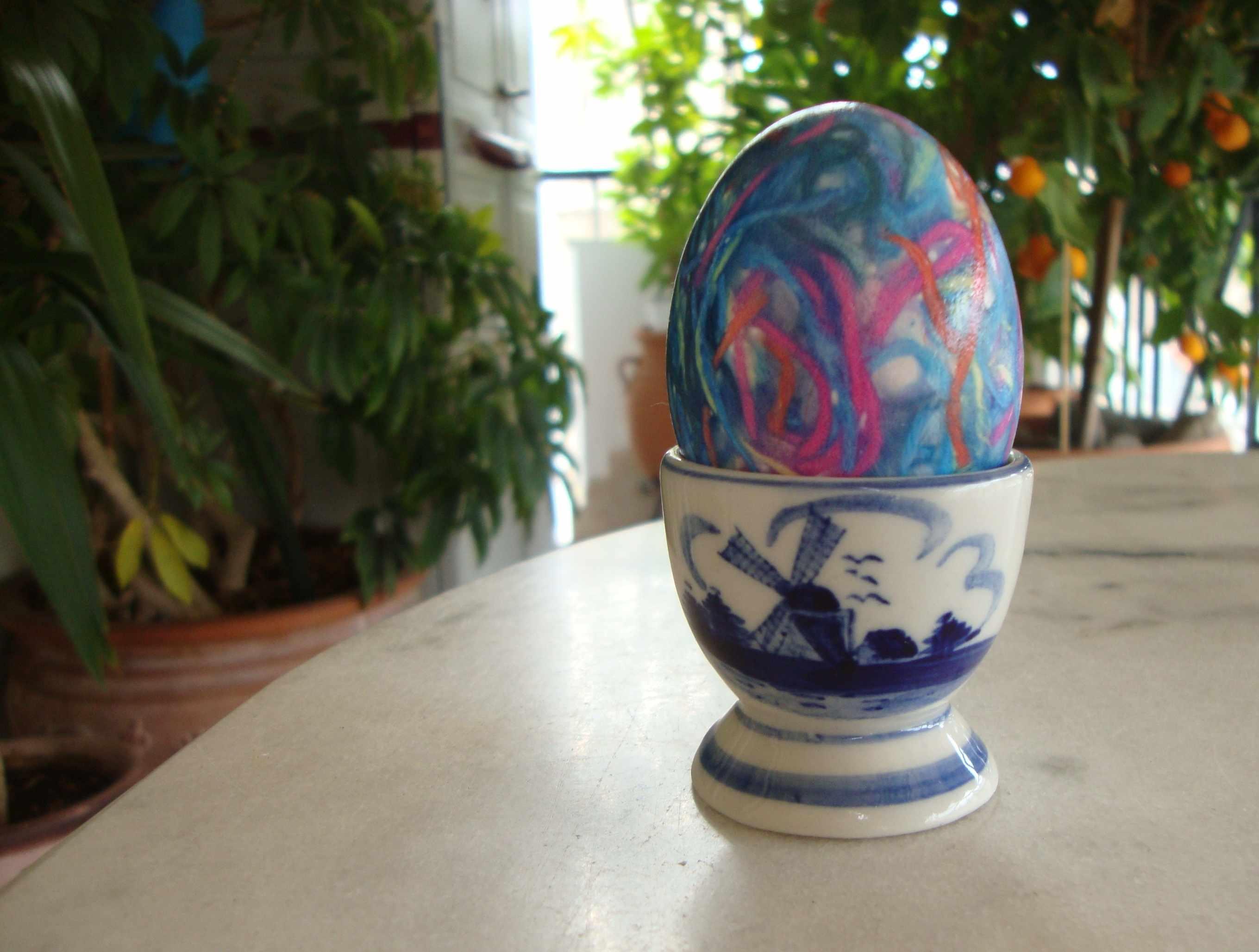 αυγά πασχαλινά με κλωστές φλός