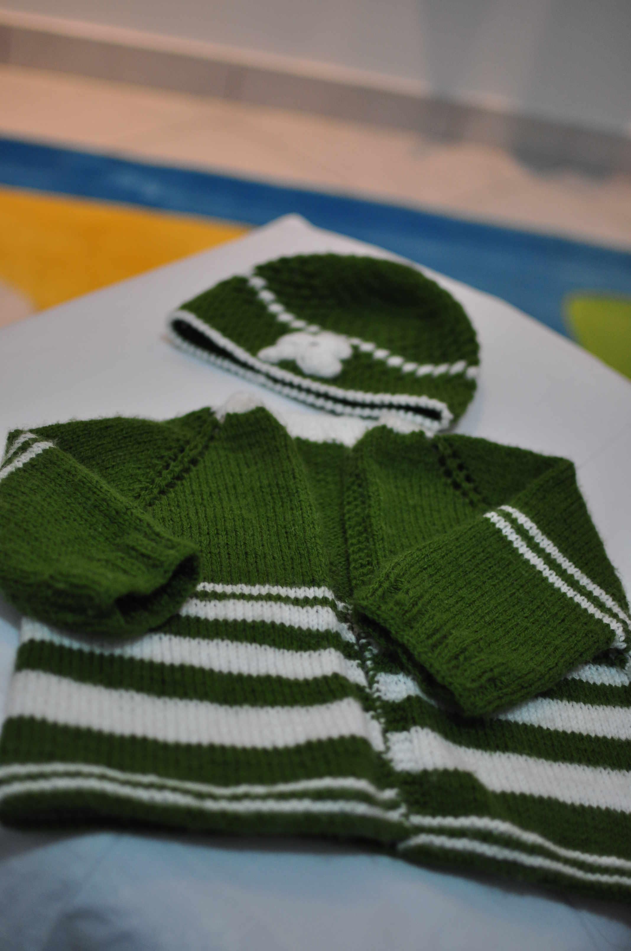 Ζακετάκι πράσινο με σκουφάκι