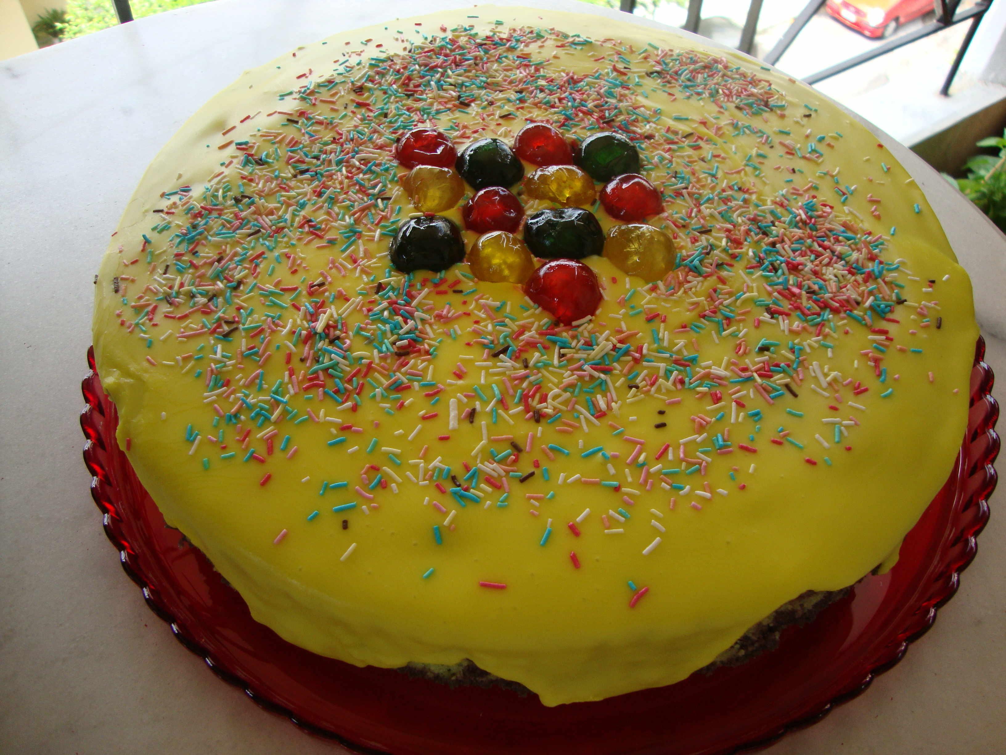 Πολύχρωμο κέικ