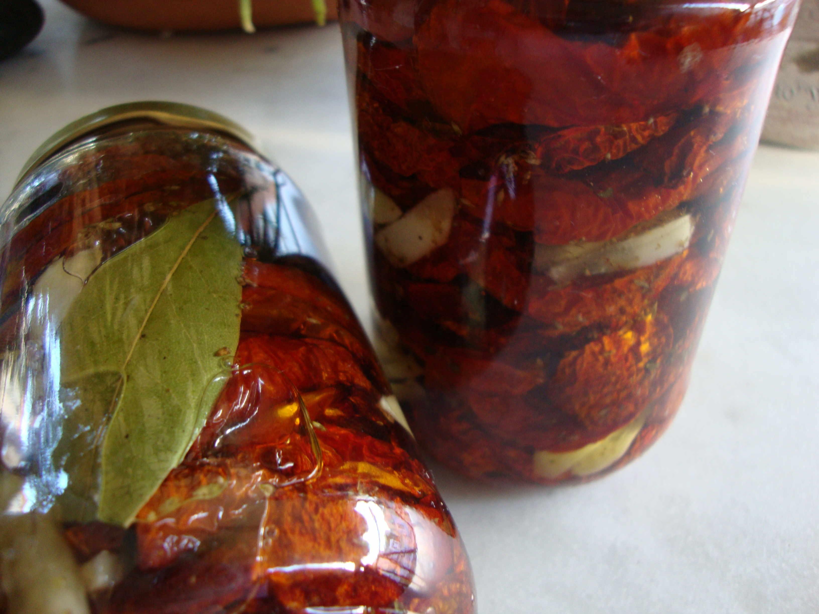 Λιαστές ντομάτες στον φούρνο