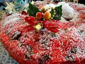 Κόκκινο κέικ με μελομακάρονα
